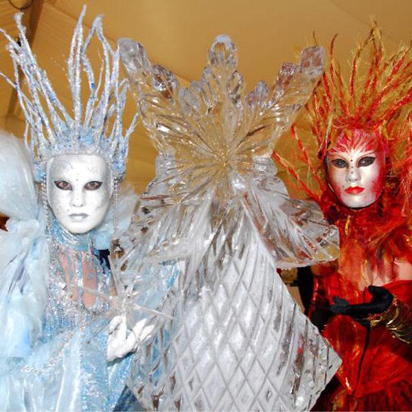 Masked Statues - Blending stillness with elegant movement