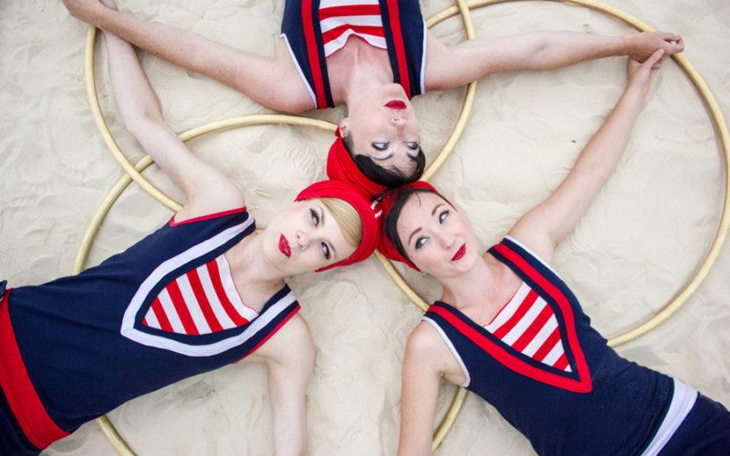 Hoop La La - Hula hooping trio act