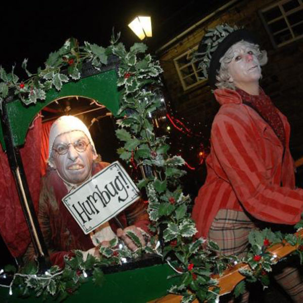 A Christmas Carriage - Comedy Dickensian themed walkabout act