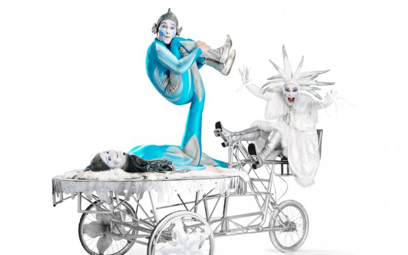 Snow Queen's Ice Chariot - Acrobatic balance on a mobile platform